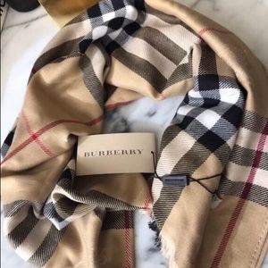 NEW REAL BURBERRY CASHMERE CAMEL SCARF